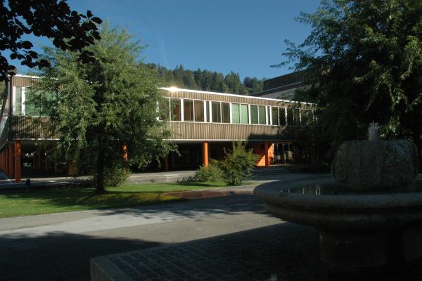 Collège Jehan-Droz